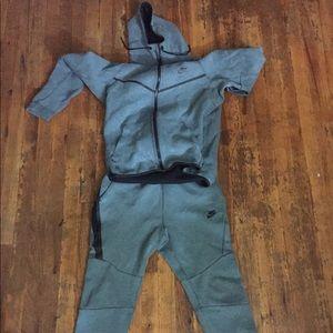 Nike Tech Suit